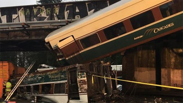Amtrak train derails over I-5 in Washington state; 3 people killed