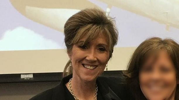 Southwest pilot Tammie Jo Shults was praised for landing the Dallas-bound Flight 1380 Tuesday after one of its engines blew mid-air at 32,000 feet.