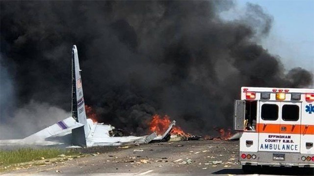C-130 cargo plane with 5 people on board crashes in Georgia