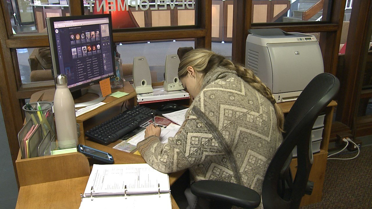 graduating students have difficulty finding work fox 5 krbk is graduating students have difficulty finding work